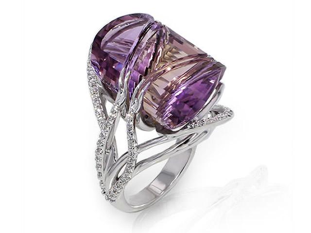 Серебряное кольцо с фианитами и Аметрином