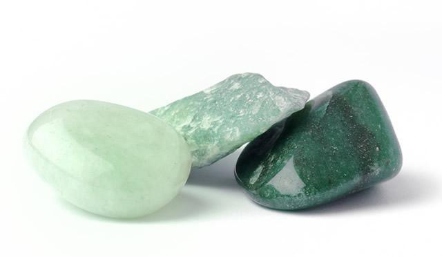 Разноцветные камни Авантюрина