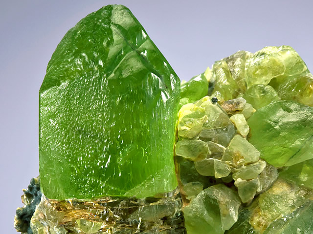 Драгоценный камень хризолит
