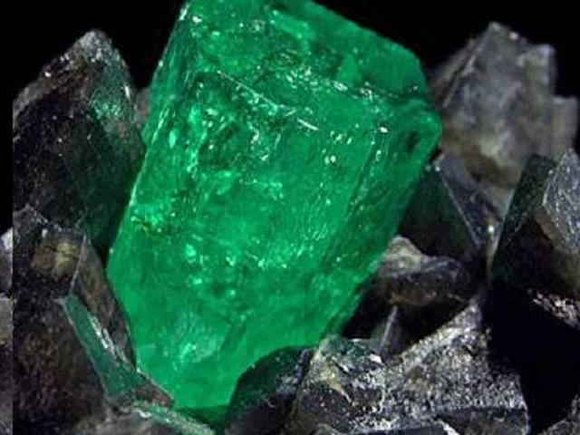Магический и лечебный минерал Изумруд