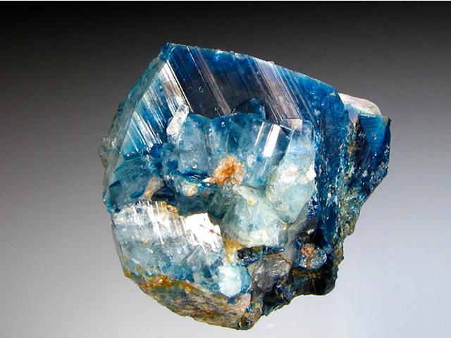 Драгоценный минерал Эвклаз