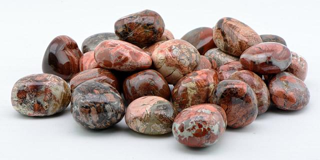Россыпь поделочных камней Яшмы