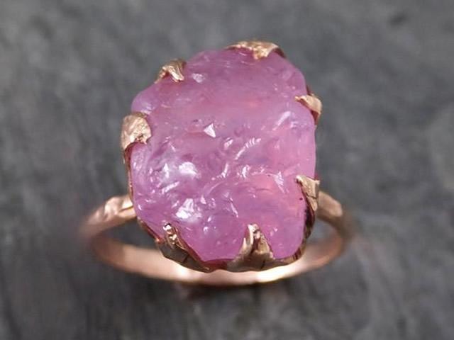 Золото кольцо с розовой Шпинелью
