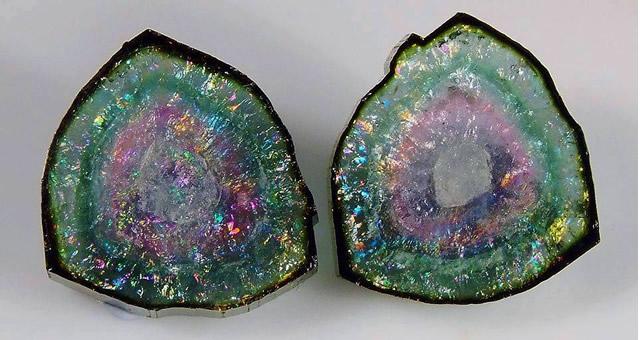 Камень Турмалин в разрезе