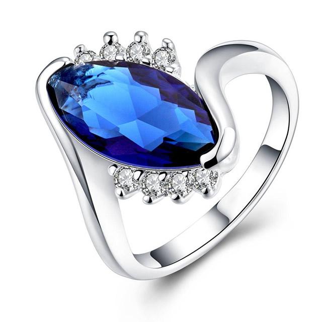 Серебряное кольцо с натуральным цирконом