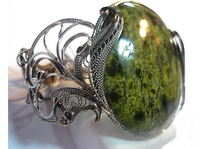 Кольцо с крупным Змеевиком