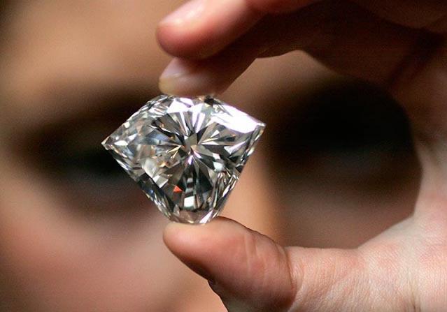 Крупный натуральный бриллиант