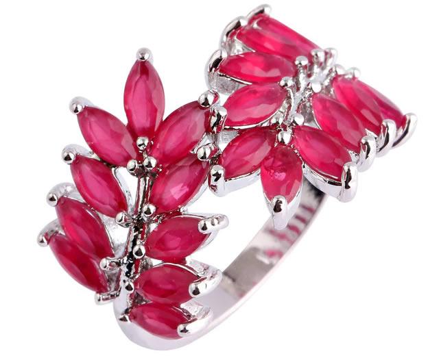 Серебряное кольцо с природными рубинами