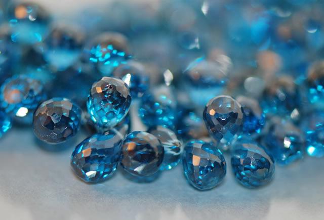 Россыпь голубых топазов