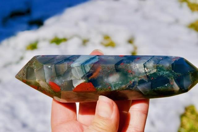 Драгоценный камень гелиотроп