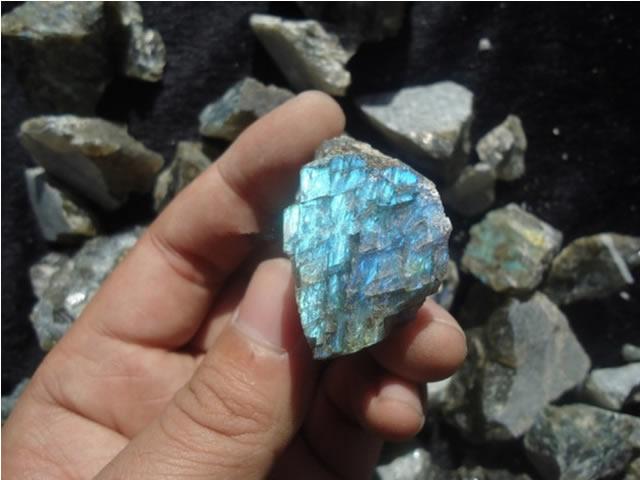 Натуральный камень лабрадор