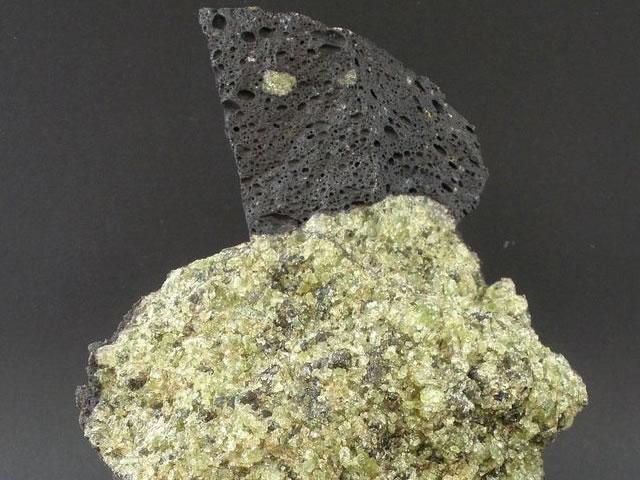 Натуральный оливин