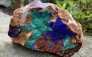 Азурит — магический камень Весов и минерал сверхвозможностей
