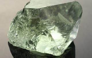 Камень Празиолит — зеленый ключ к Вашим победам